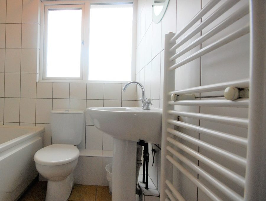 1410-S-bathroom-re