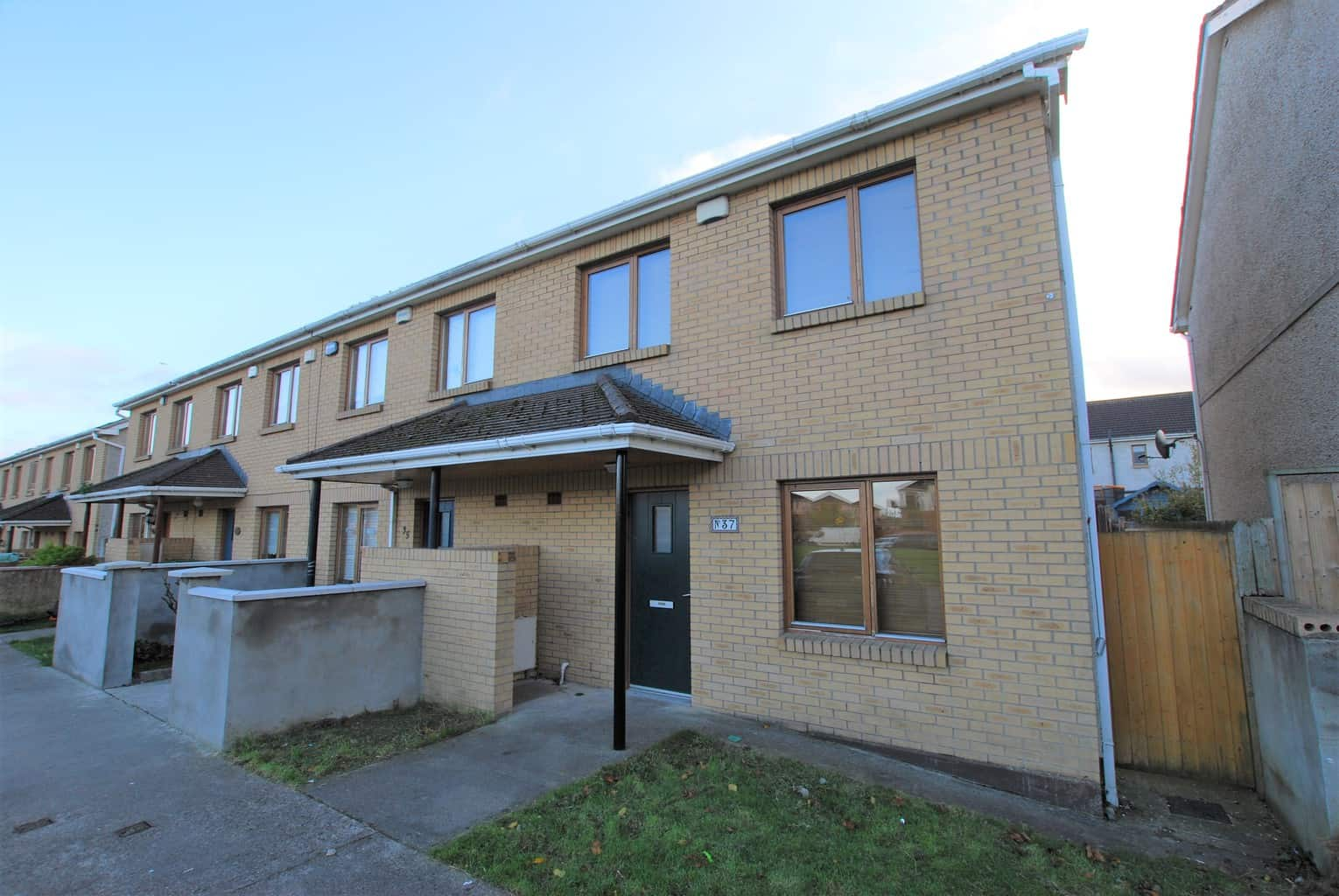 37 Russell Lawns, Tallaght, Dublin 24. D24C2F5