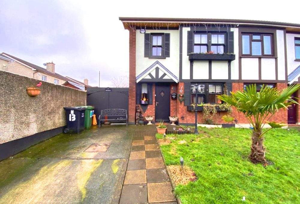 13 Westbourne Court front image