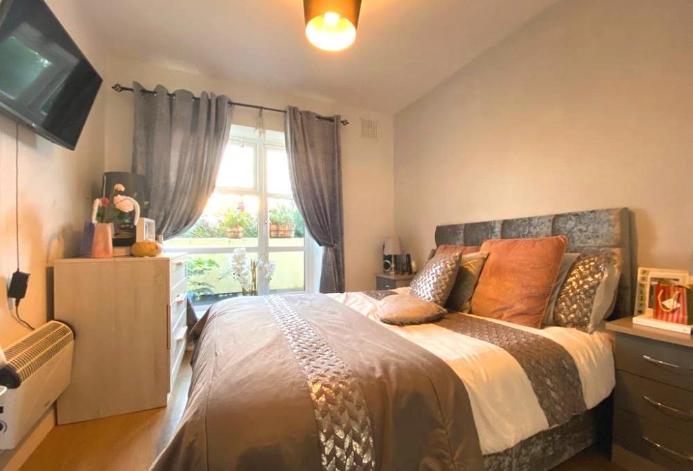 70 The Steeples, Chapelizod bed 1