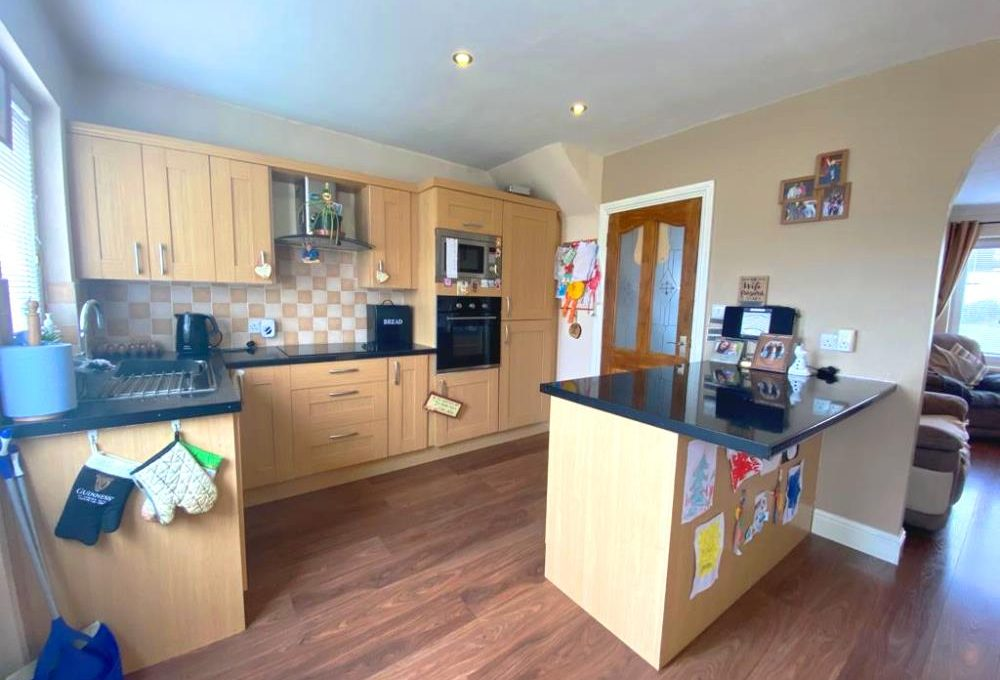 2 Glenfield Avenue - kitchen 1